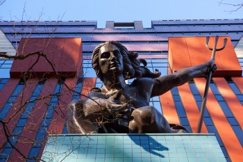 Did Portland's citizens force this fine sculpture, Portlandia, on the Portland Building?