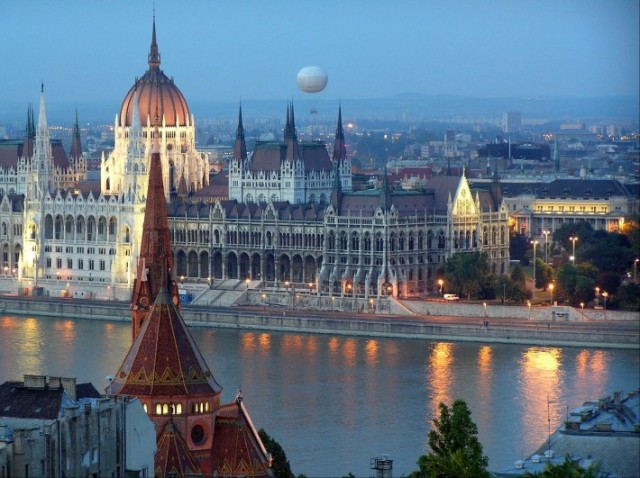 Buda as seen across the Danube from Pest (pushingtheflywheel.com)