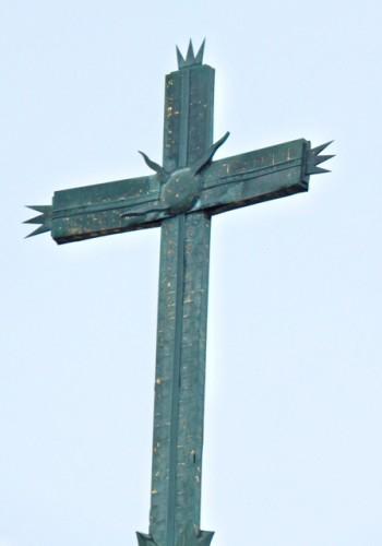 Gloria Dei, finial cross