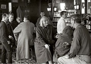 Jane Jacobs at the White Horse Tavern - in New York, not Newport. (elblogdefarina.blogspot.com)).