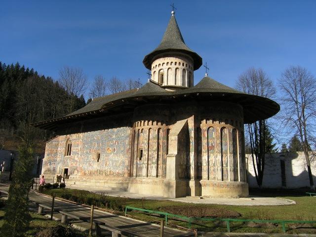 Manastirea Voronet, in Romania (casa-lina-sucevita.ro)