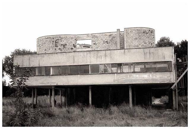 Corbusier's Villa Savoye in sad shape before recent renovation.