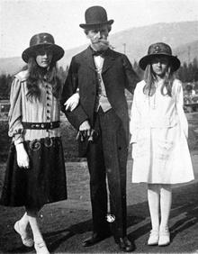 Sen. Huguette Clark and two daughters.