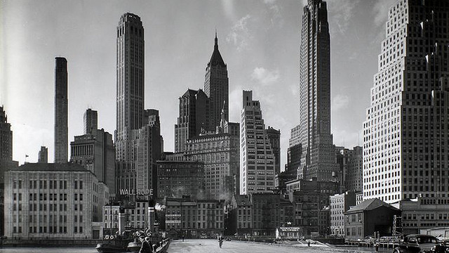 The New York skyline circa, I would imagine, 1950. (hdc.org)