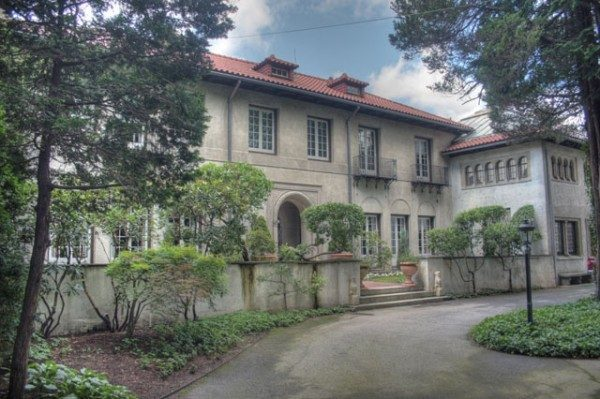 The 1915 Tuscan-style house of Leonard and Paula Granoff. (curbed.com)