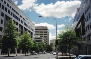 Public street in Canberra. (skyscrapercity.com)