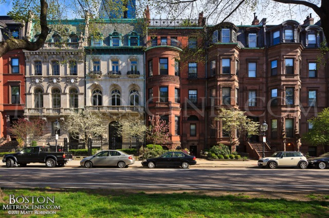 Townhouses on Commonwealth Avenue, Boston. (images.metroscenes.com)