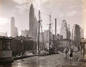 New York, Fulton Street docks, in 1935, by Berenice Abbott. (wirednewyork.com)