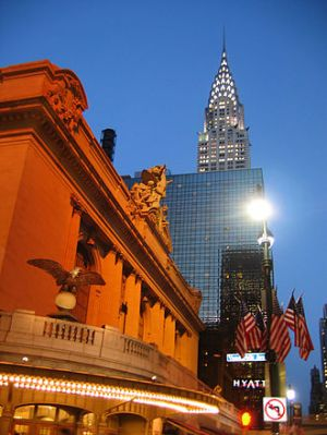 Grand Hyatt between terminal and Chrysler Building. (Wikipedia)