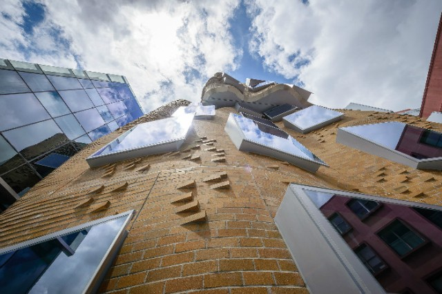 Business school by Frank Gehry for University of Technology, in Sydney. (No source given)