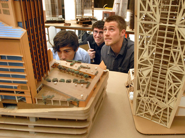 Architecture students at Univesity of Arizona. (tucsoncitizen.com)