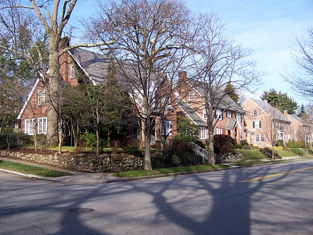 Beautiful block of houses in Blackstone neighborhood. (providenceri.com)