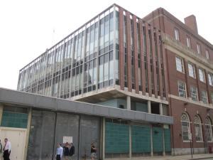 The end of the Journal building near Emmett Square. (midcenturymundate.wordpress.com)