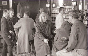 Jane Jacobs at a bar in New York City, circa 1960. (streetsblog.org)