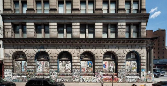 190 Bowery St. with newly protected graffiti. (New York YIMBY)