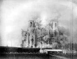 Demolition of church in 1931. (Wikipedia)