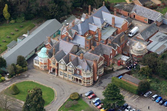 Aerial view of Bletchley Park. (jerrygarrett.wordpress.com)