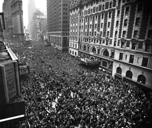 Celebration of VE Day in New York. (Time)