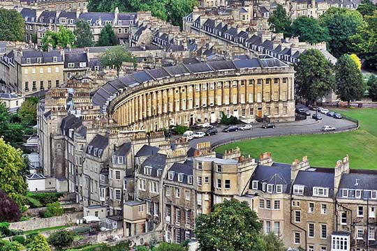 Bath, including the Nash Crescent. (studentcities.co.uk)