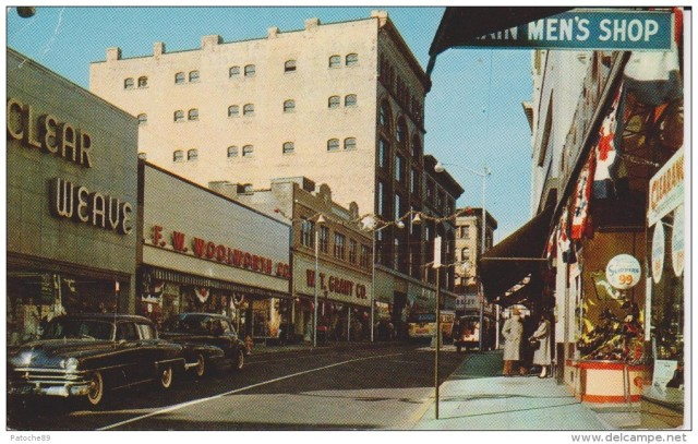 Postcard of modern Main Street, Pawtucket, largely unchanged since 1970s. (cardcow.com)