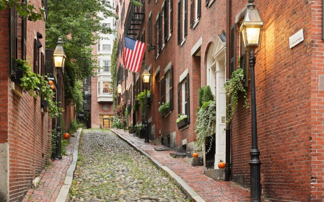 A popular photo of Boston's Beacon Hill. (Travel & Leisure)