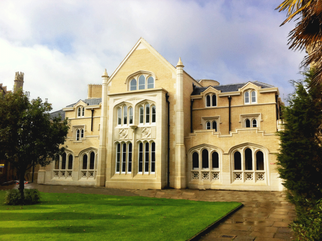 Whittle Building, Peterhouse, Cambridge University. (John Simpson Architects)