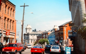 Custom House (center) in 1994.