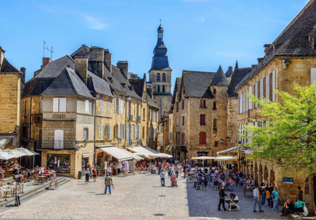 town in the Dordogne, Sarlat-la-Caneda.png